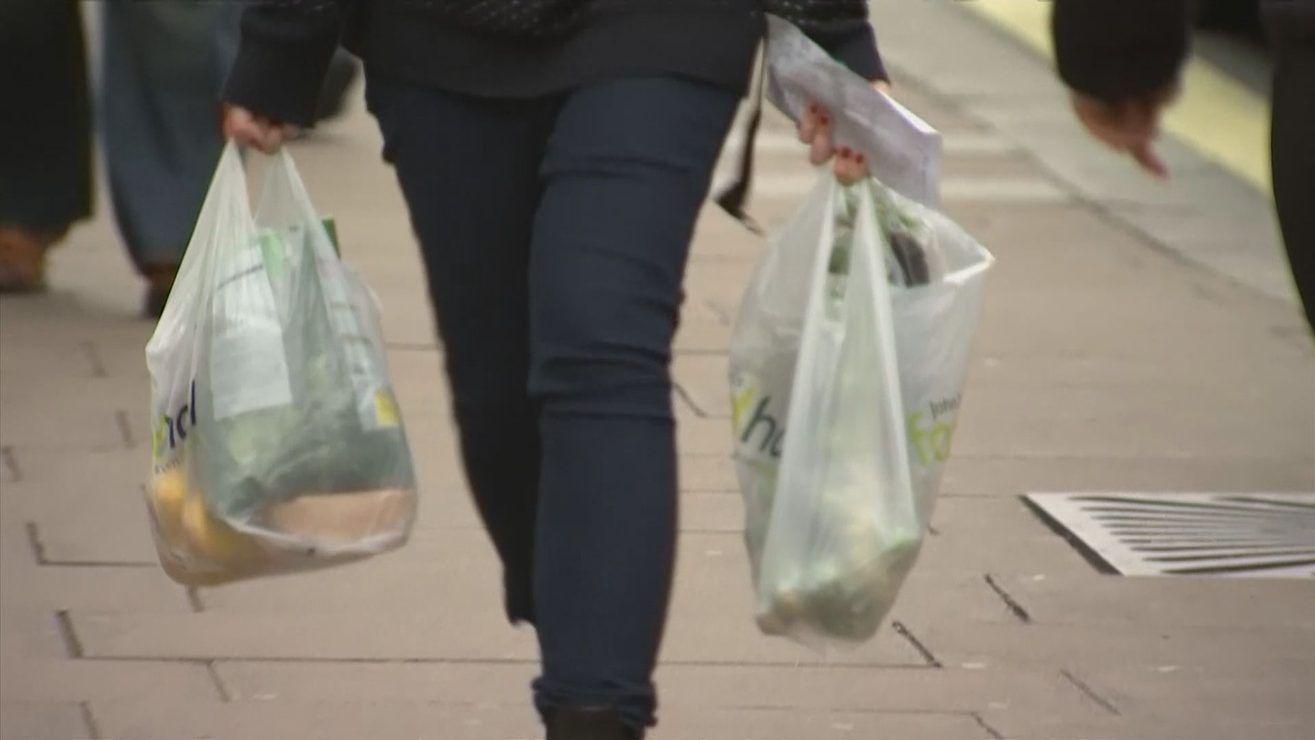 【環球薈報】英國政府有意將膠袋徵費提高一倍