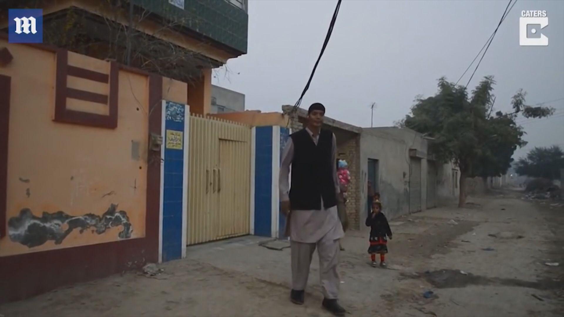 【環球薈報】巴基斯坦八呎高男子嘆難覓伴侶