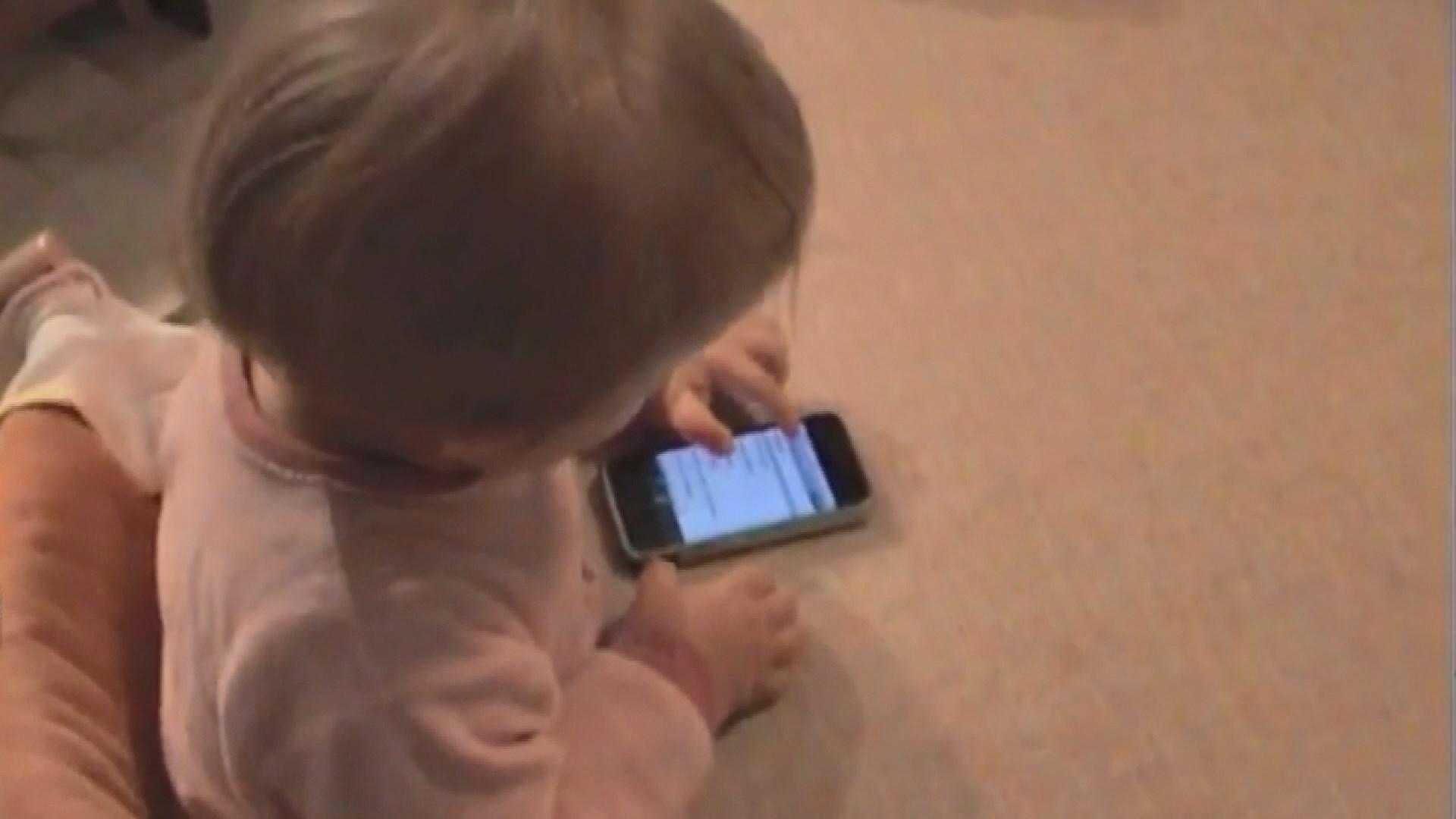 【環球薈報】世衞建議一歲以下嬰兒遠離電子屏幕