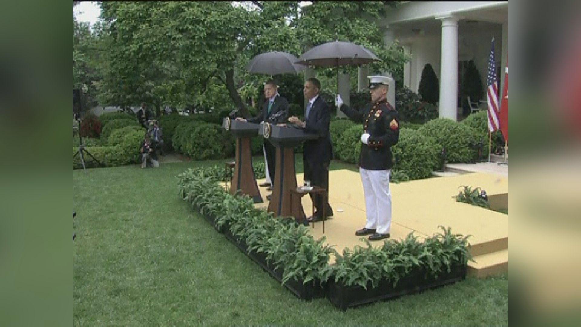 【環球薈報】美國海軍陸戰隊終於批准男隊員撐傘