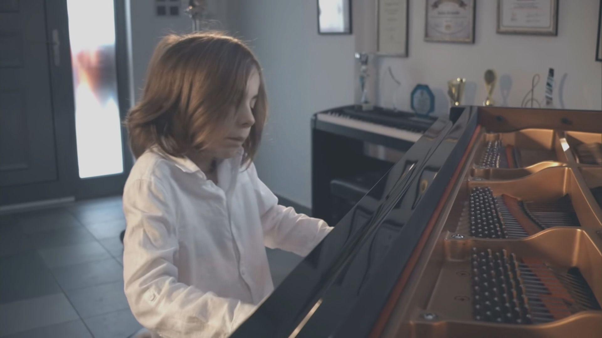 【環球薈報】希臘七歲音樂神童創作隔離華爾茲