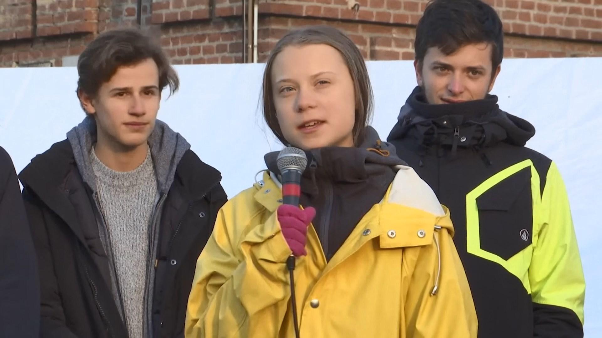 【環球薈報】瑞典環保少女乘火車坐地照片引發爭議