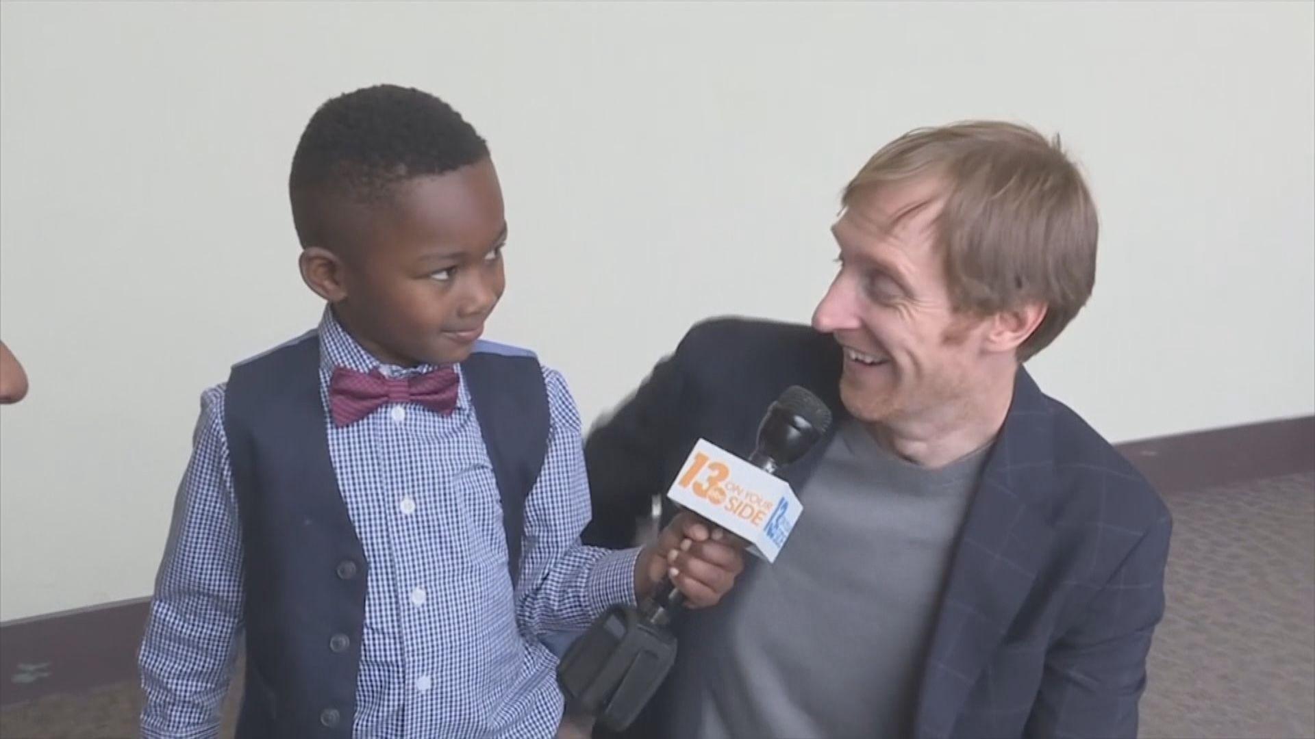 【環球薈報】美五歲男童邀請全班同學出席領養聆訊