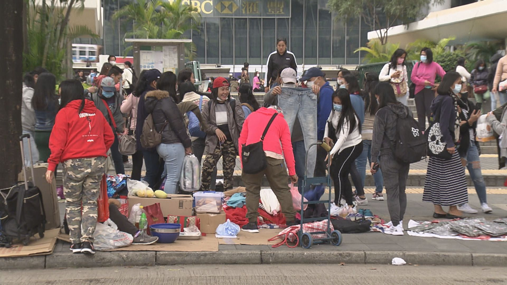 政府延長約滿外傭以訪客身分留港期限