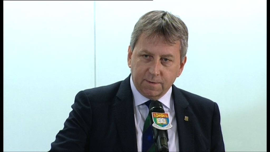 馬斐森否認離職是因為政治壓力