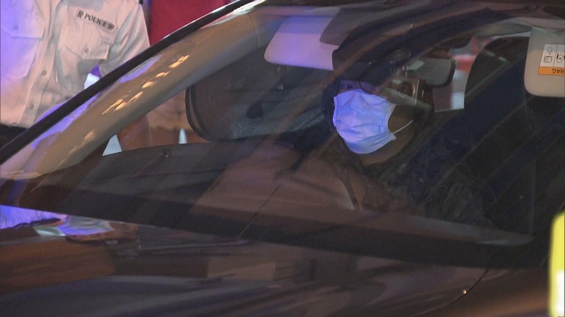 許智峯稱被私家車跟蹤撞傷 警列交通意外有人受傷