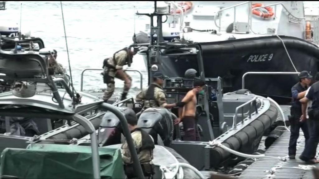 水警西貢拘捕五人蛇及兩蛇頭 包括一嬰兒