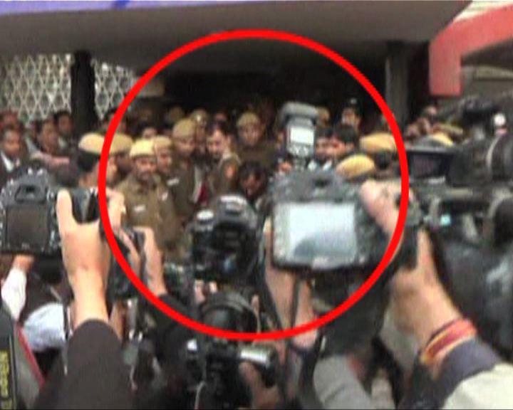 印度的士司機否認強姦女乘客