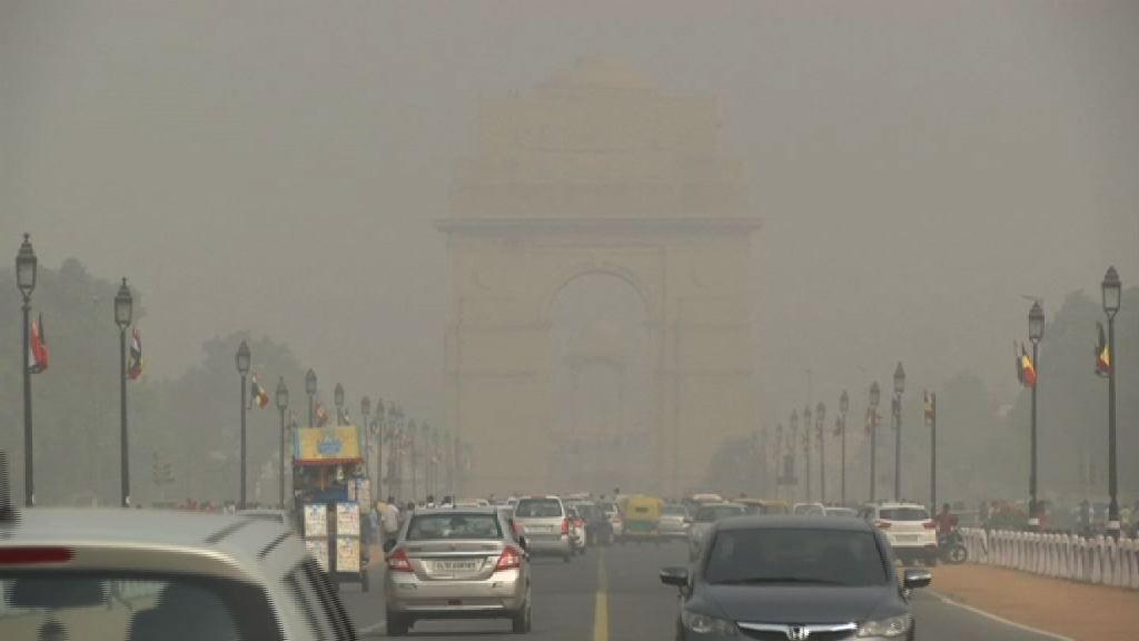 新德里空污嚴重 禁大型車輛駛入