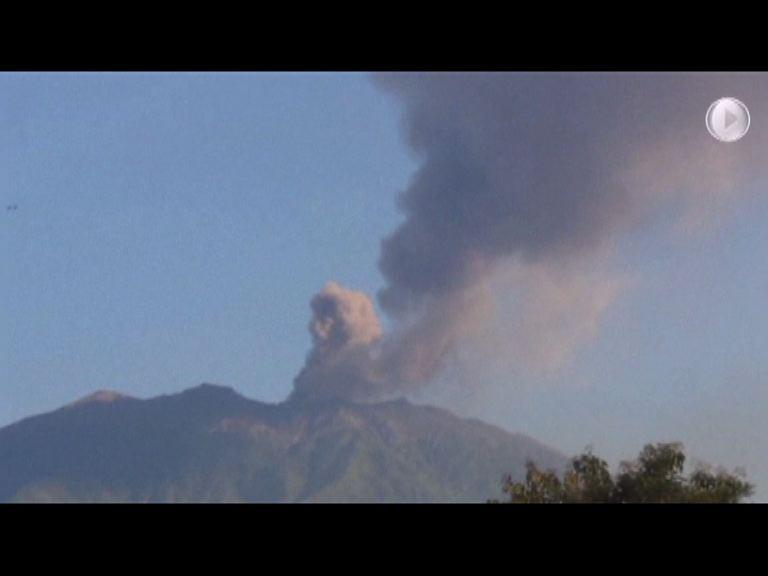 印尼火山爆發 乘客滯留峇里機場