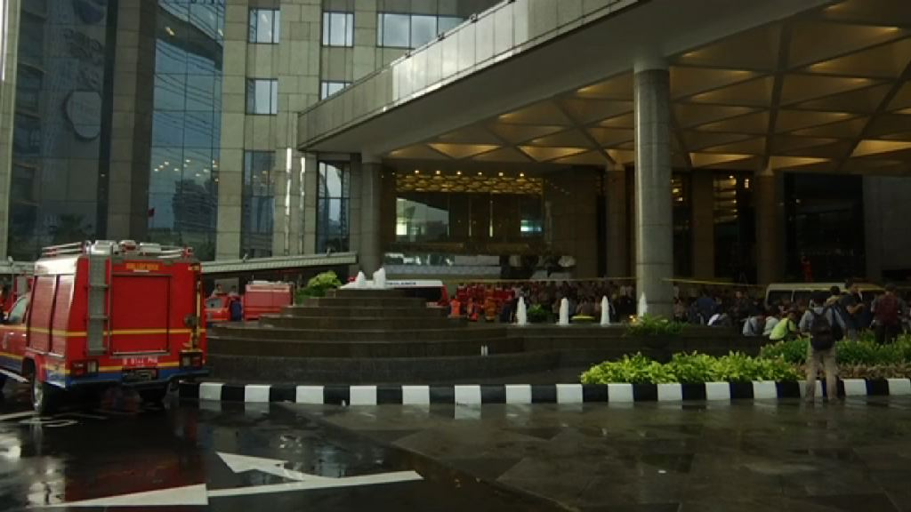 印尼證券交易所迴廊倒塌數十人傷