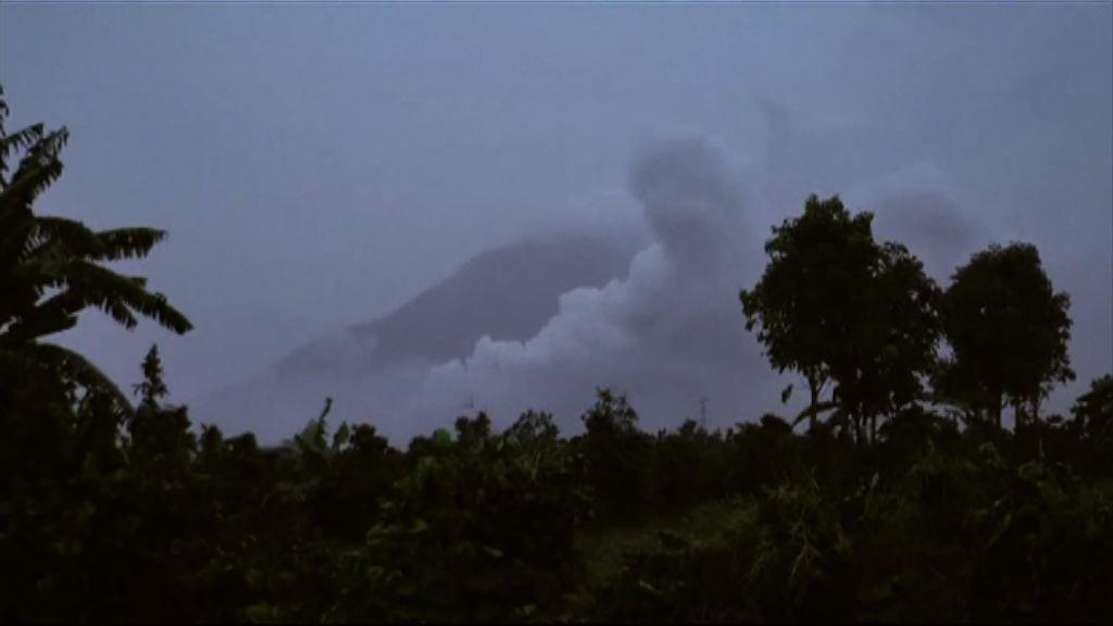 印尼錫納朋火山爆發三人死亡