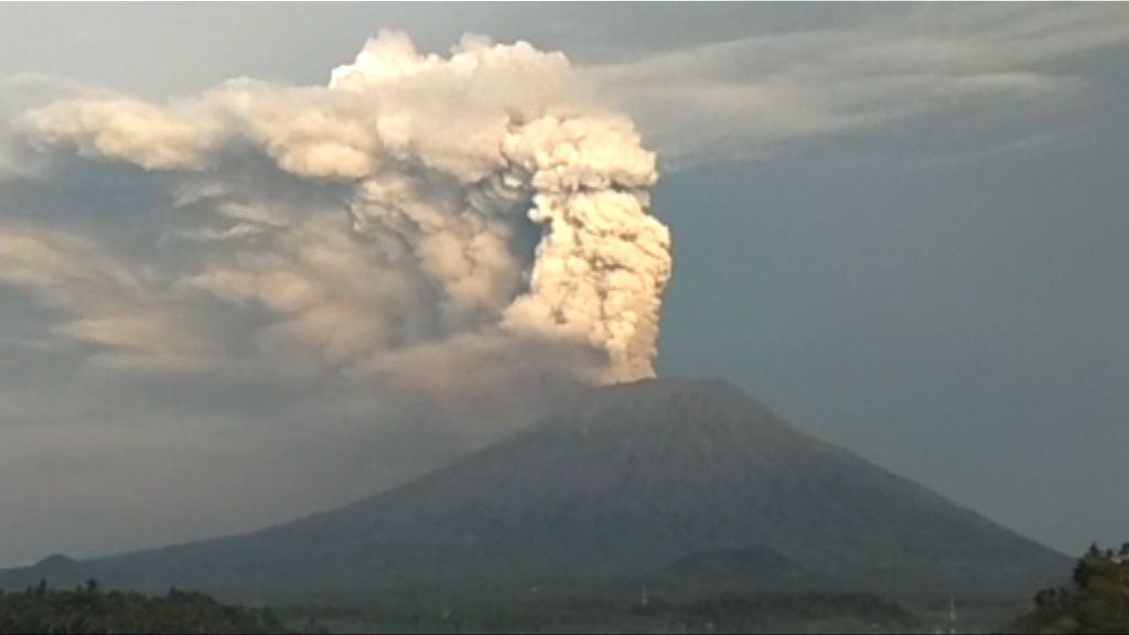 受火山灰影響 峇里機場繼續關閉