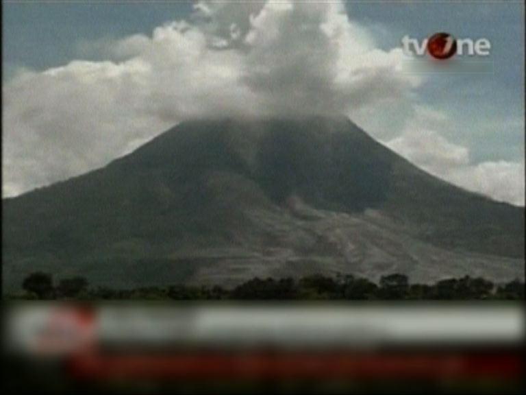 印尼錫納朋火山活動加劇