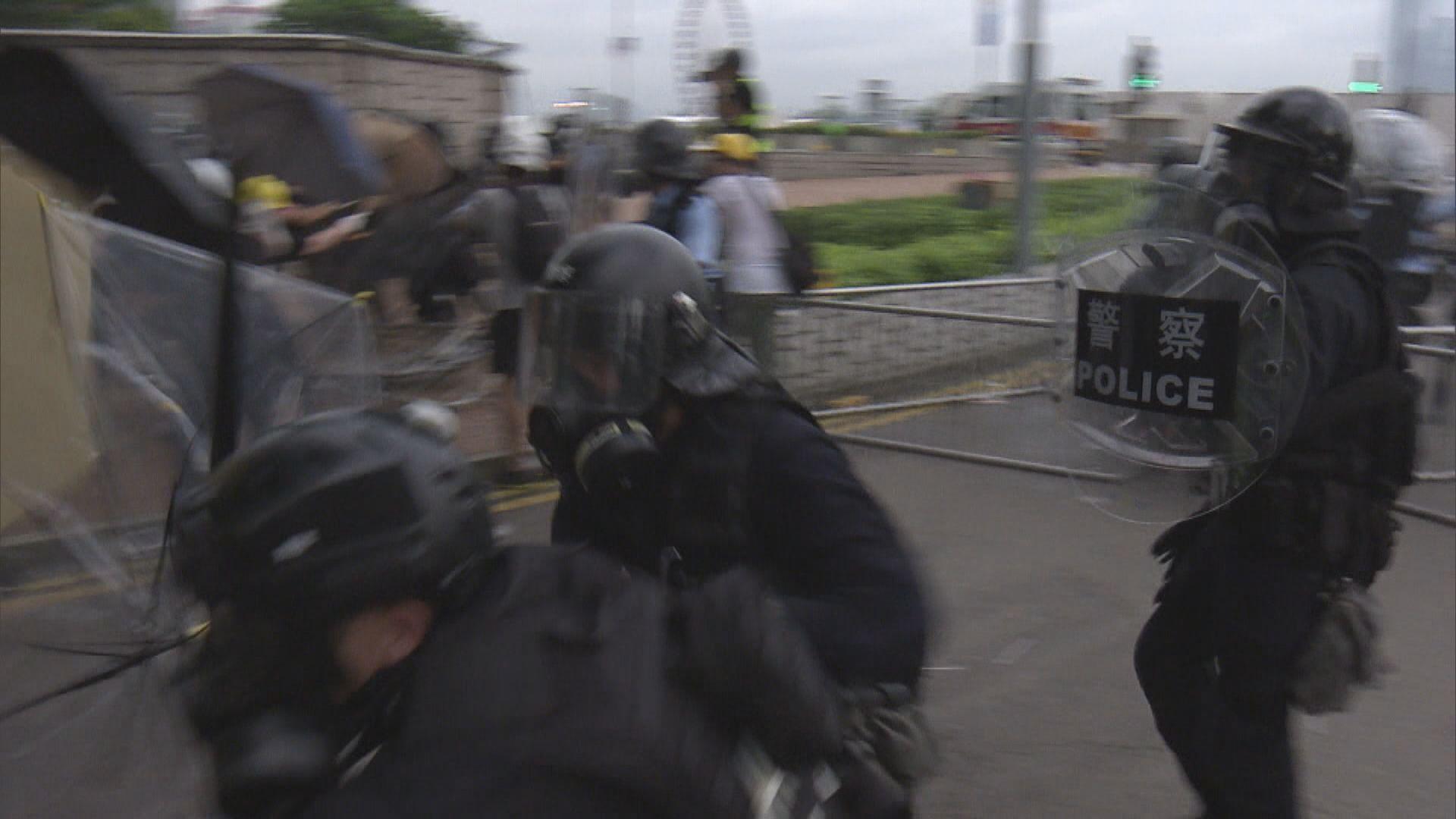 警方:為速龍小隊頭盔加編號屬試行會再檢討