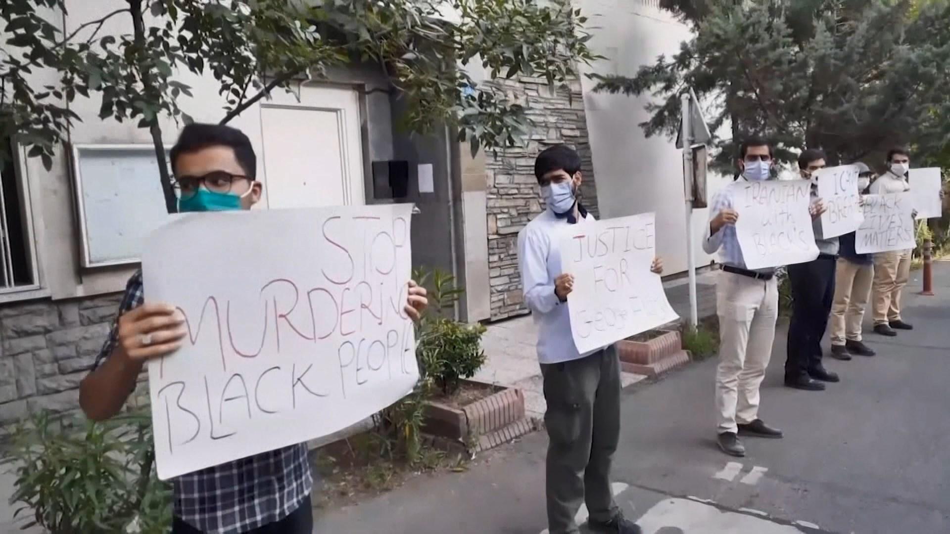 伊朗民眾上街抗議美國警暴