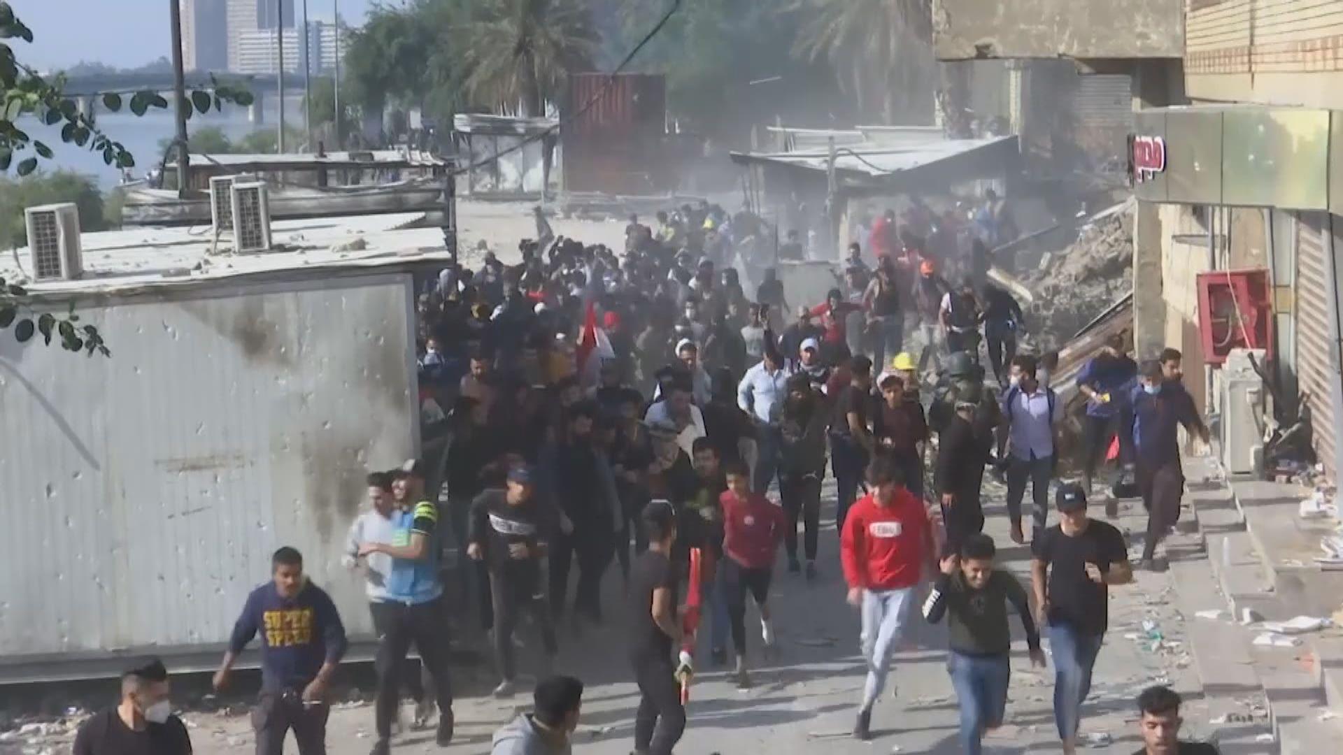 伊拉克總理請辭後當地仍有反政府示威