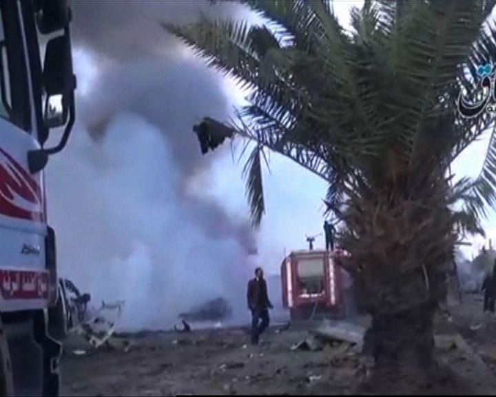 敘利亞空襲伊斯蘭國大本營拉卡多人死
