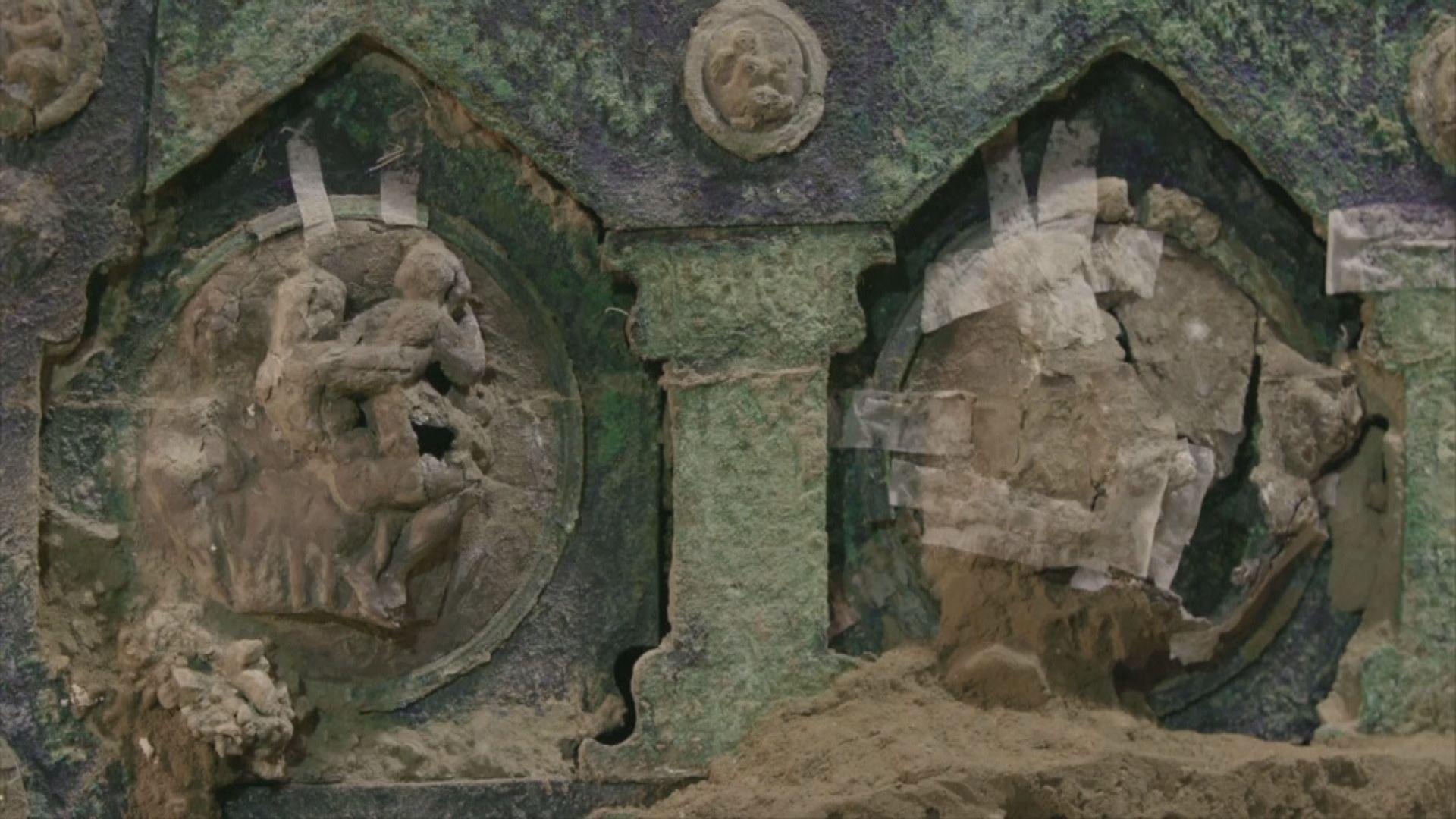 意大利龐貝古城挖出古羅馬四輪戰車