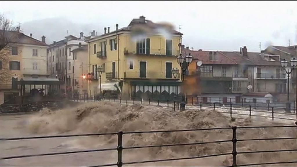 意大利暴雨 暴漲河水湧入城鎮