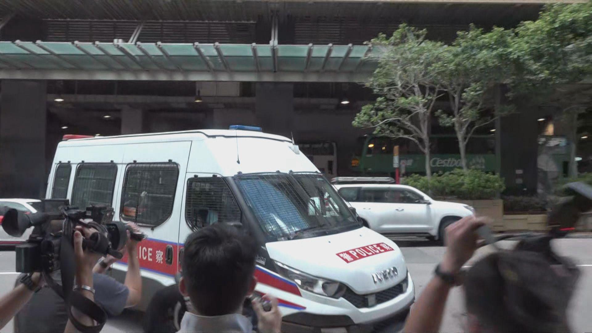 記協促警方徹查及交代周五有警車駛向記者事件