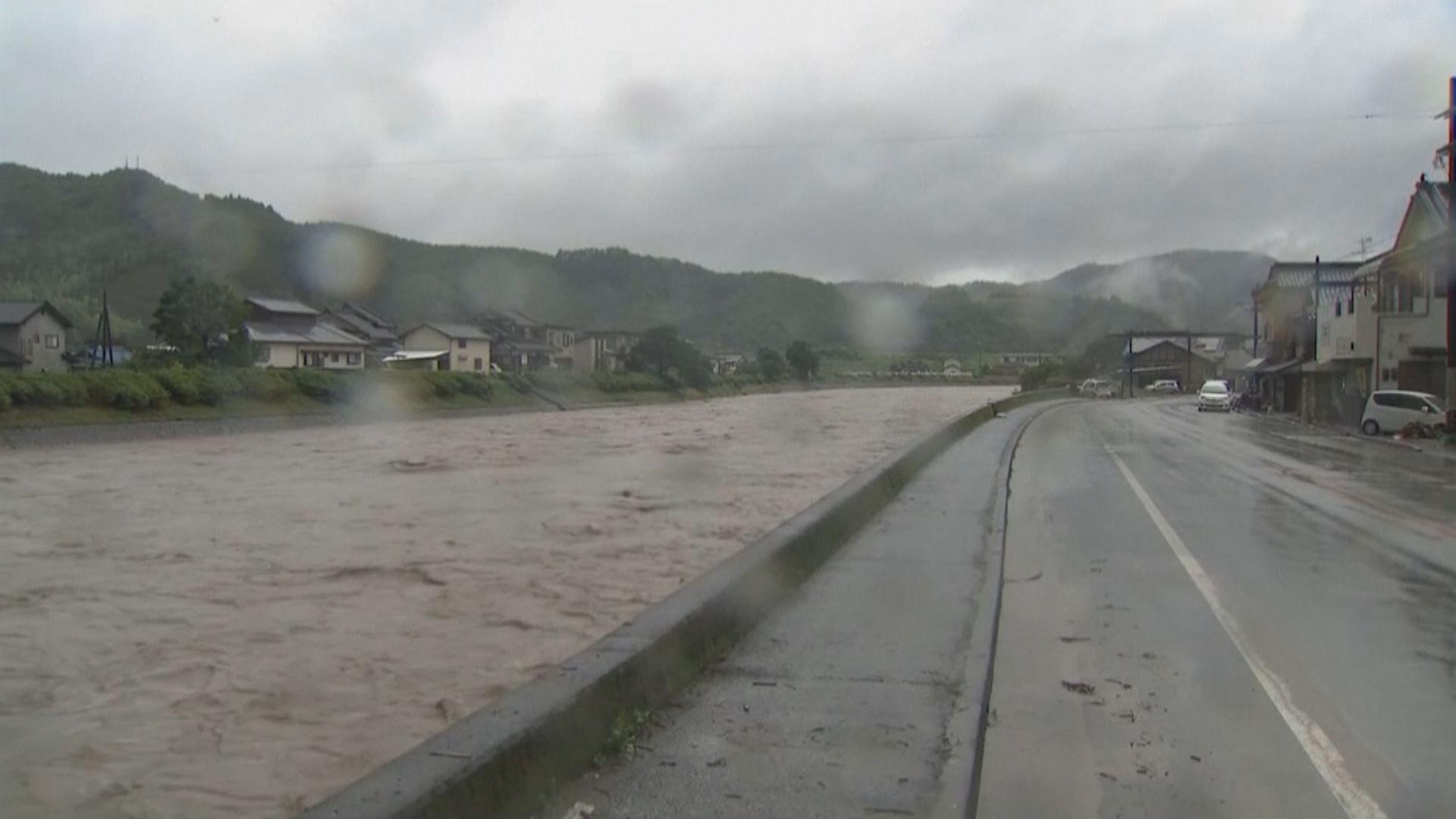 日本九州暴雨成災多條村遭洪水圍困
