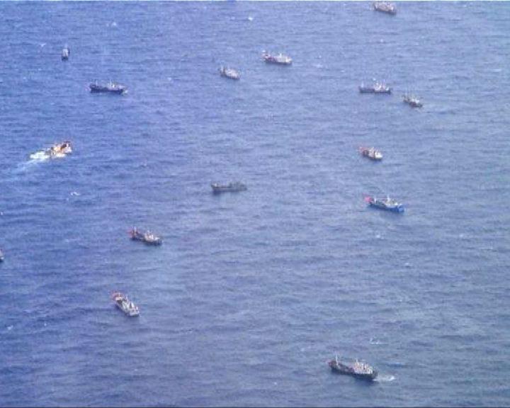 中國漁船成群到日本附近撈珊瑚