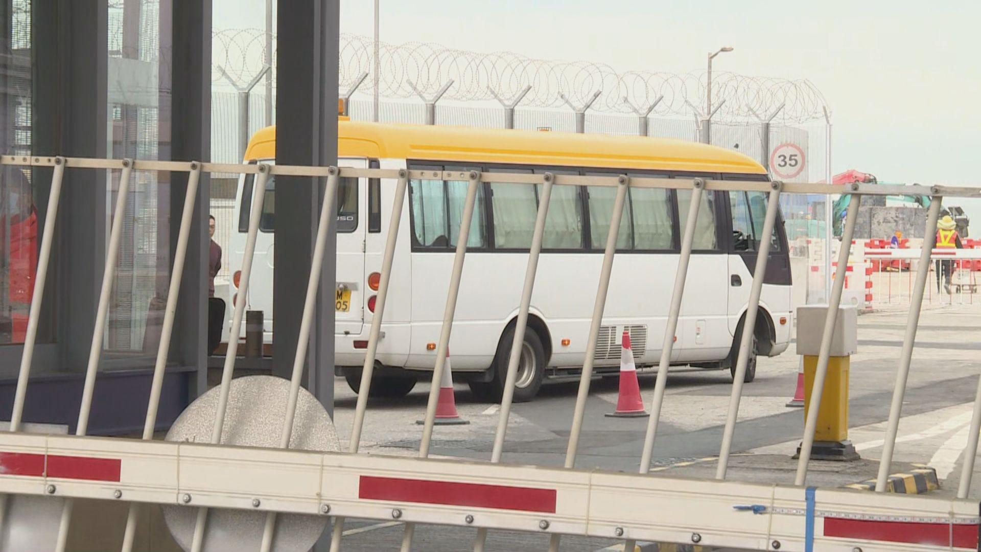 季炳雄出獄被遞解出境前往美國 警方派出飛虎隊護送