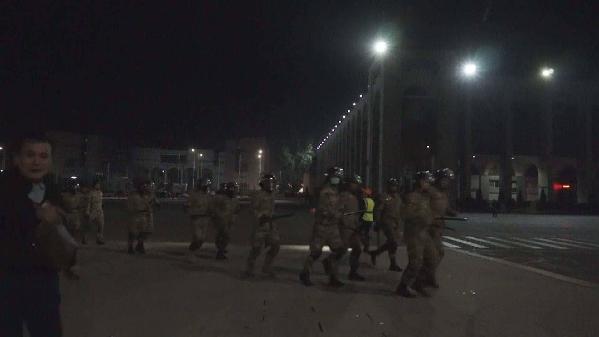 吉爾吉斯首都進入緊急狀態並實施宵禁