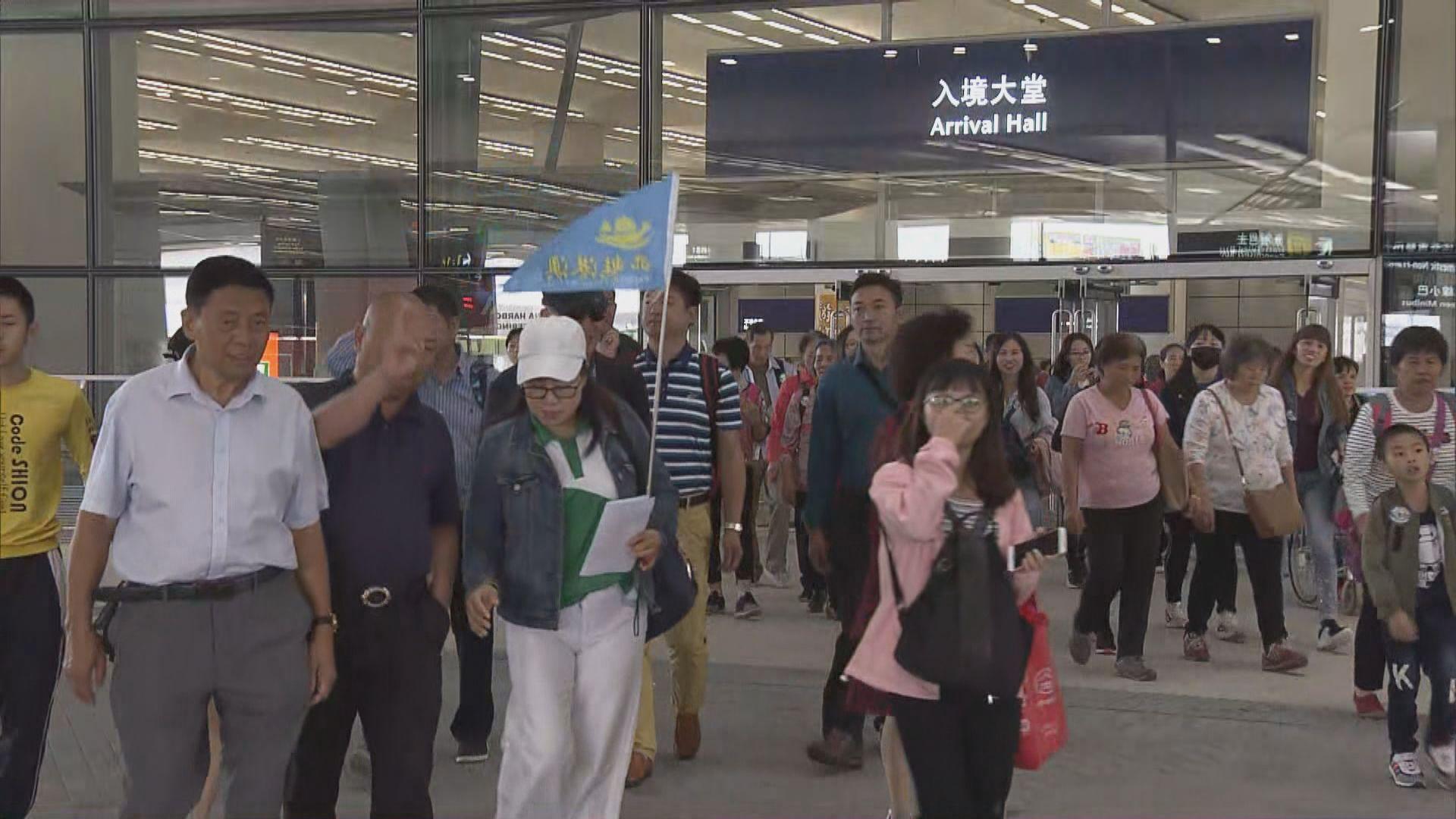 旅議會:上周七成經大橋來港內地團有港導遊