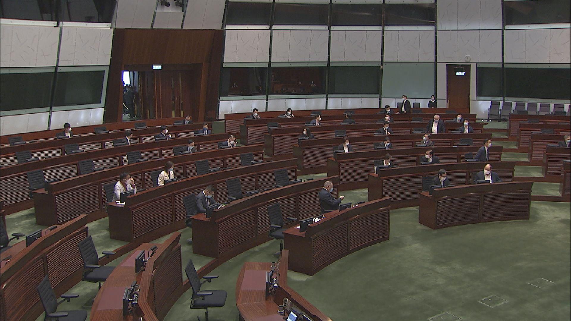 商界議員不滿調高股票印花稅 表明預算案投棄權票