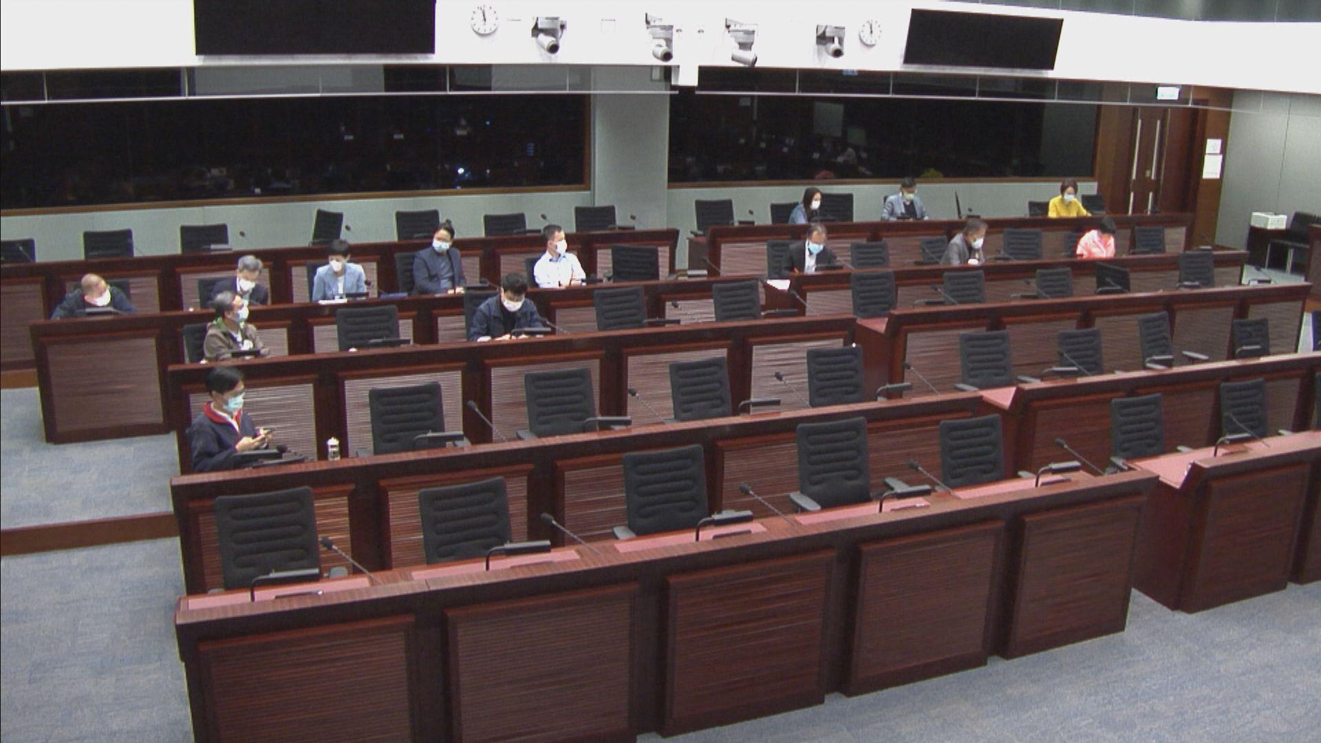 立法會委員會通過無約束力動議 要求禁非香港居民入境