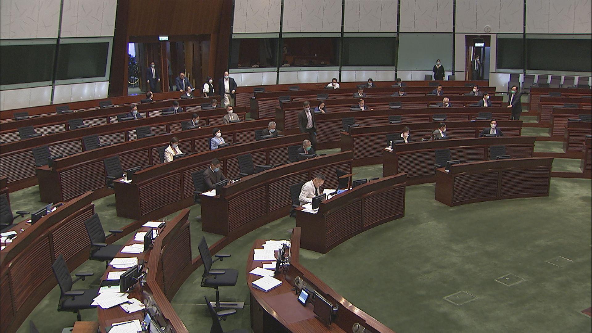 立法會花三分一時間點人數 梁君彥籲議員留會議廳