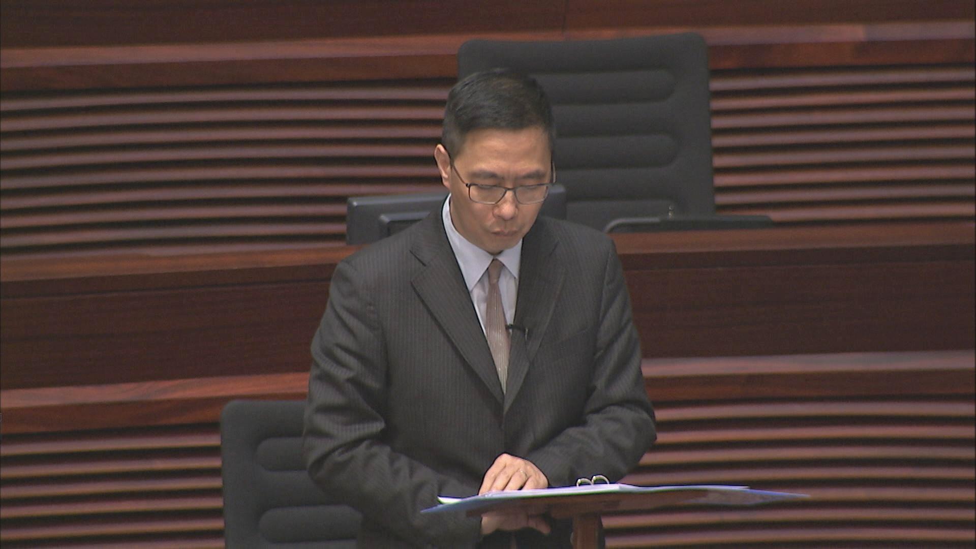 楊潤雄:教育守則規管教師在私人空間展示的價值觀