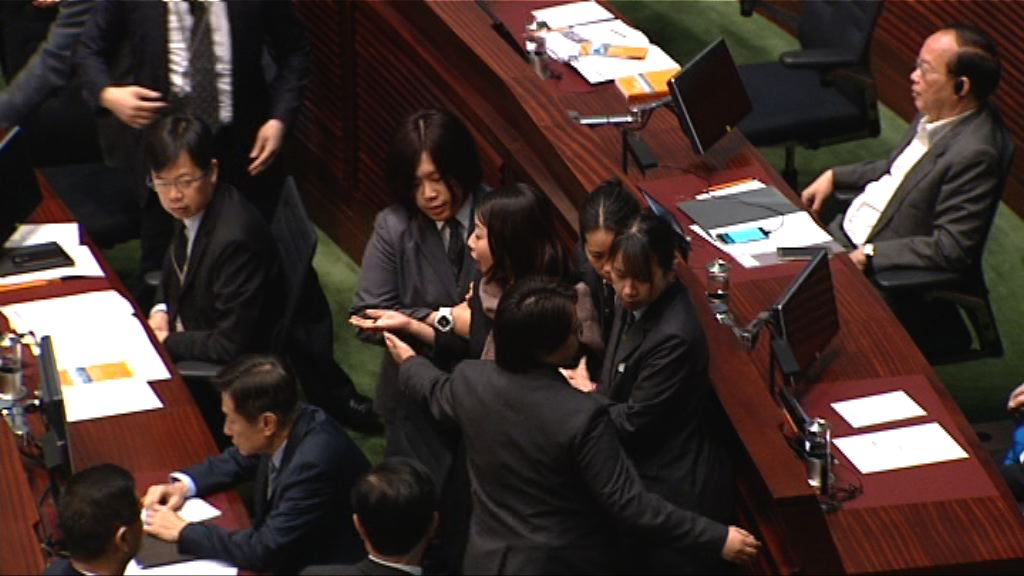 立法會答問大會 僅五建制派議員曾提問