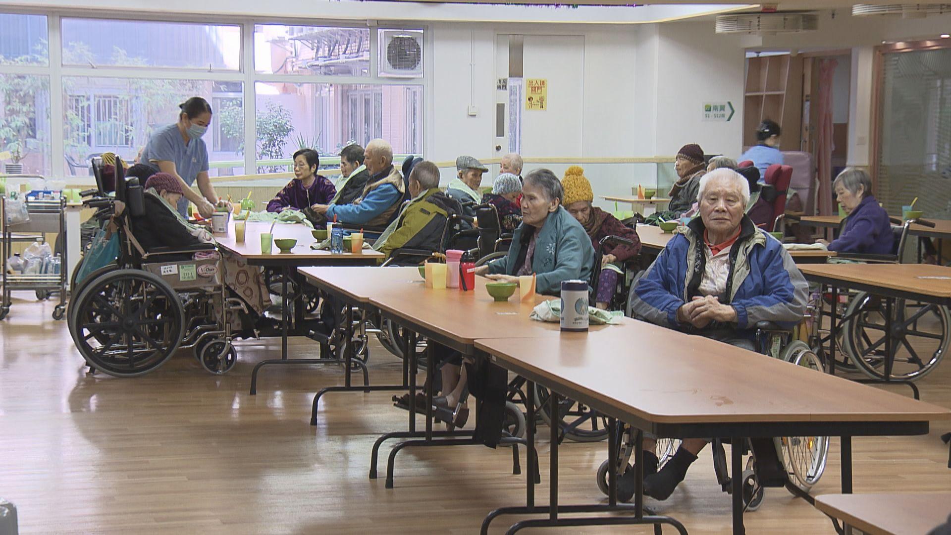 羅致光:安老院等前線照顧員薪酬增加但空缺率仍上升