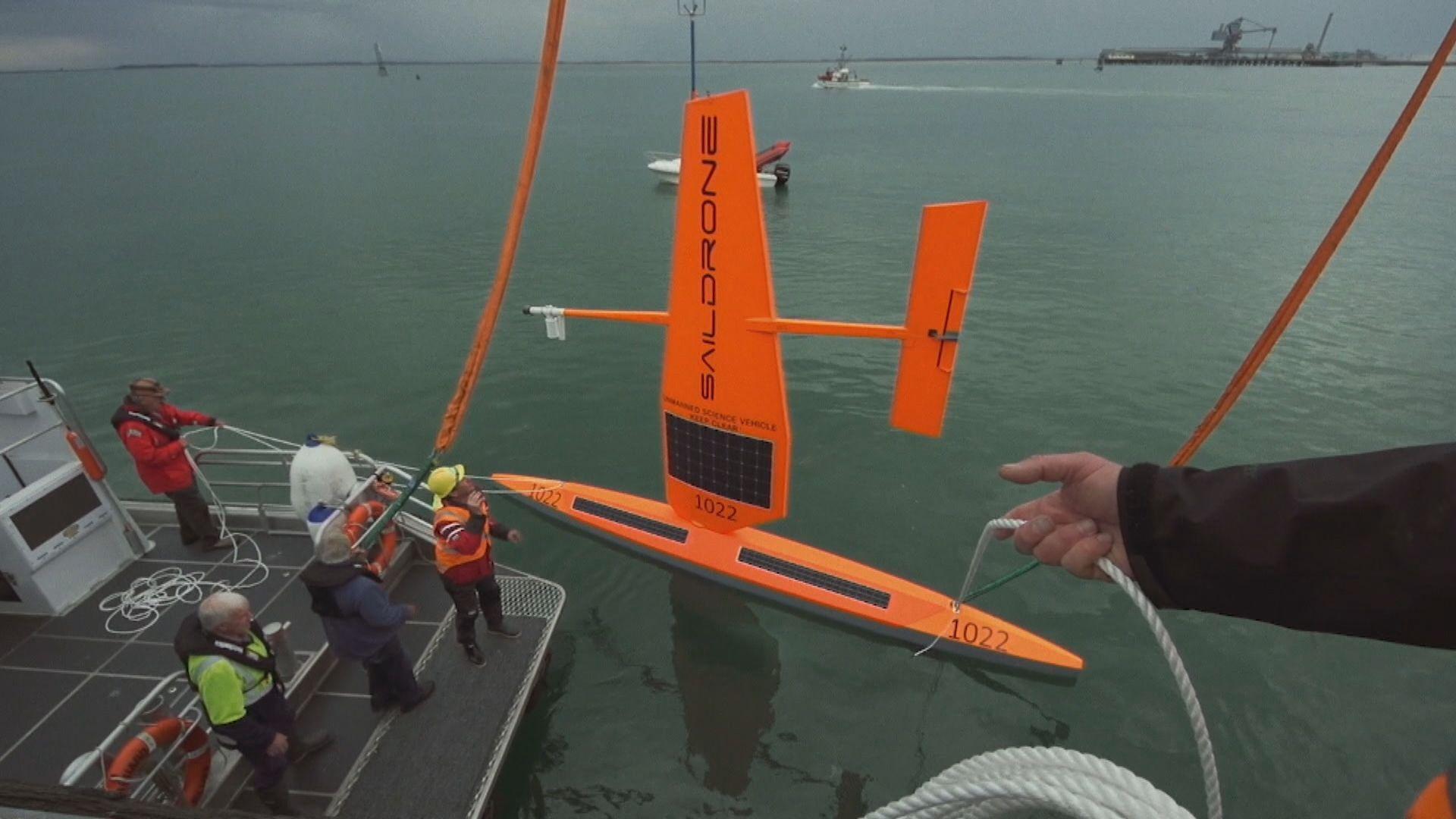 李嘉誠基金會贊助首支無人駕駛航探儀往南極