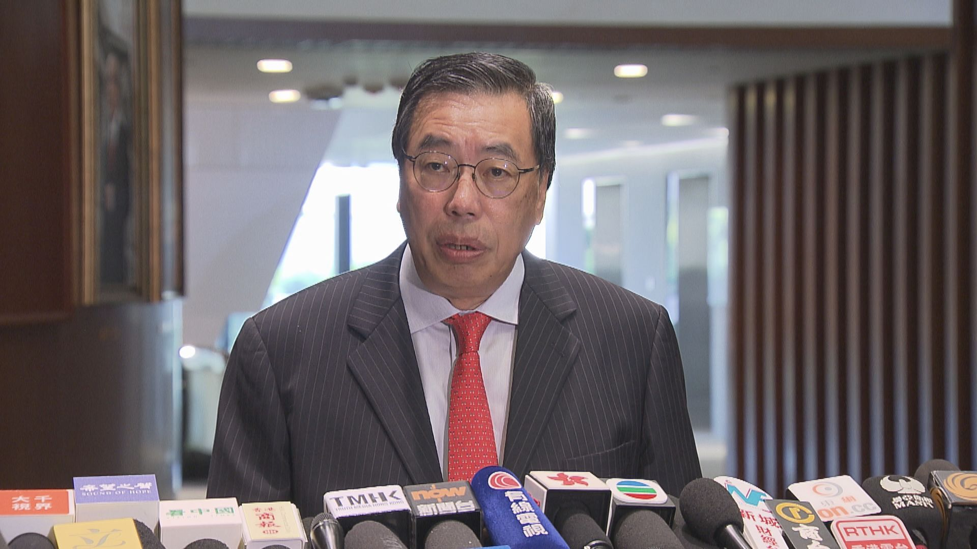梁君彥拒絕提早召開立法會會議