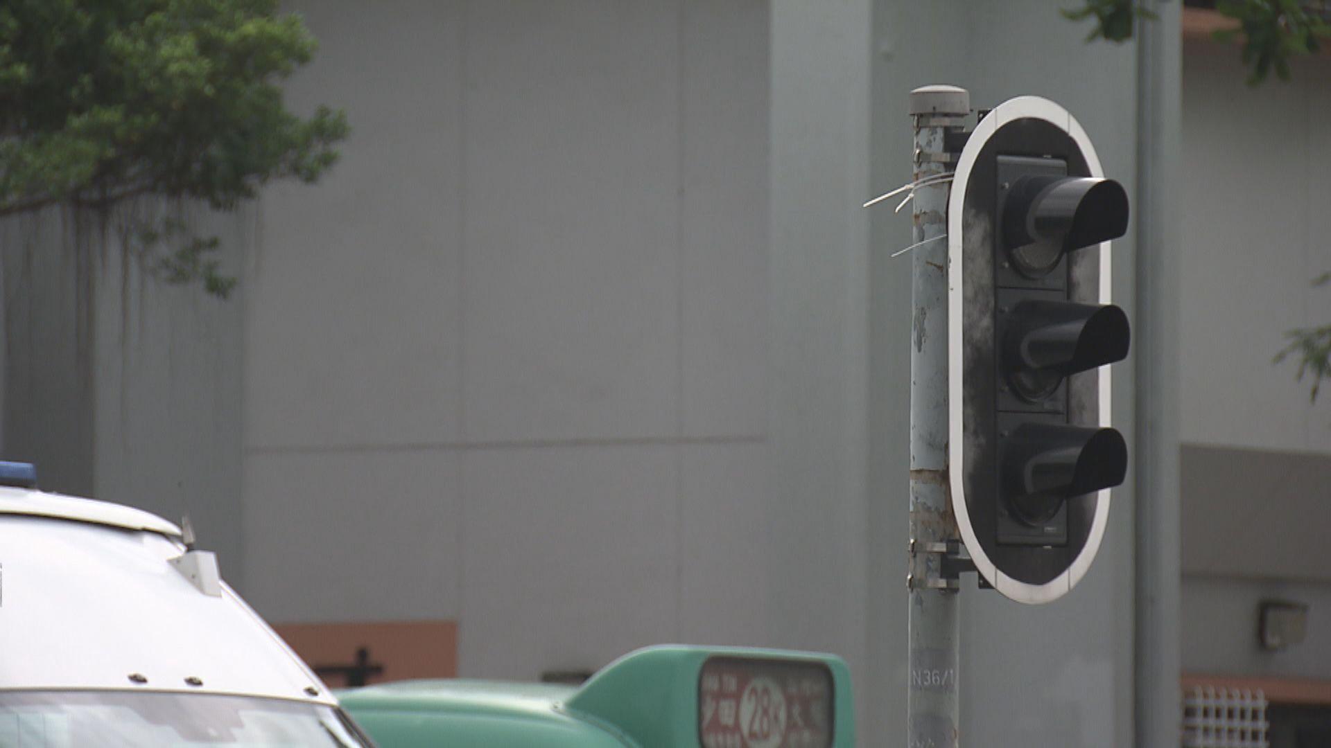 運輸署指約50組交通燈未修復 爭取兩星期內完成