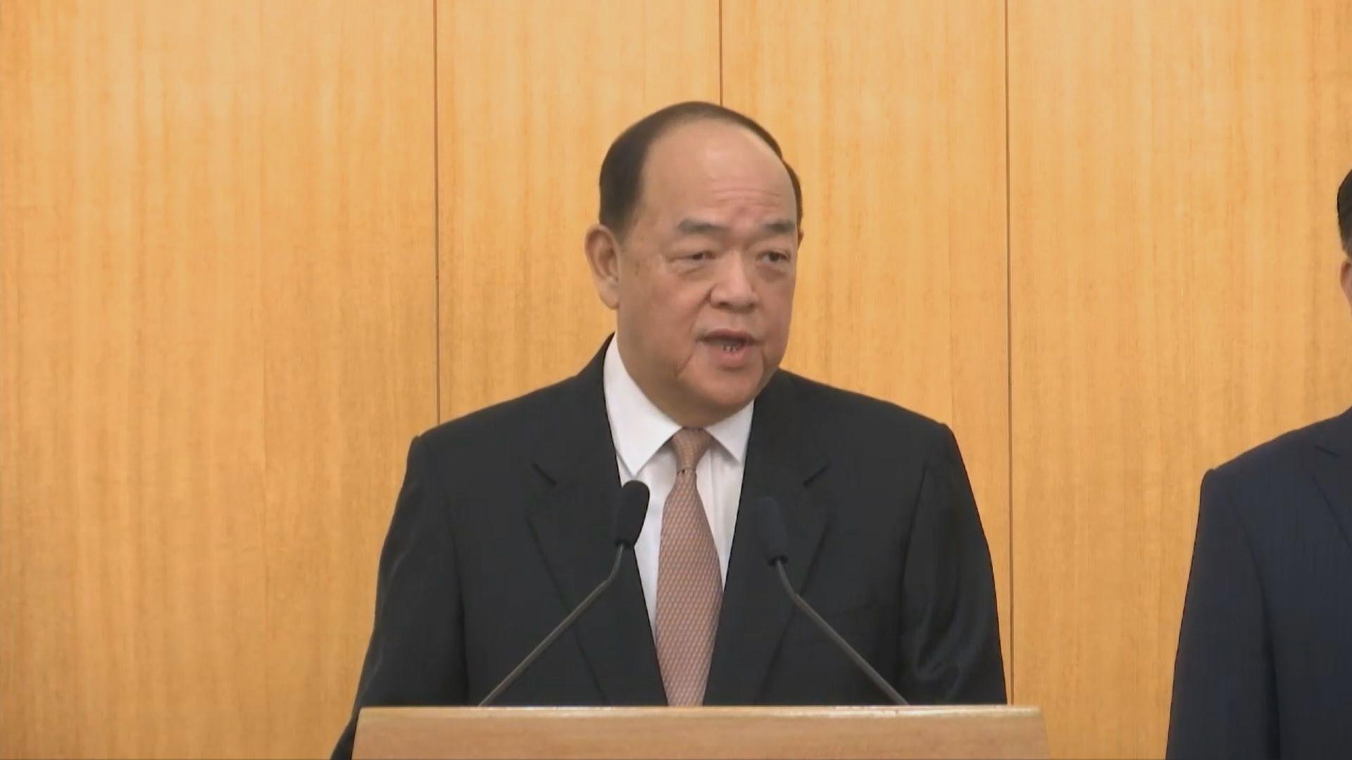 賀一誠:施政時不會考慮香港局勢