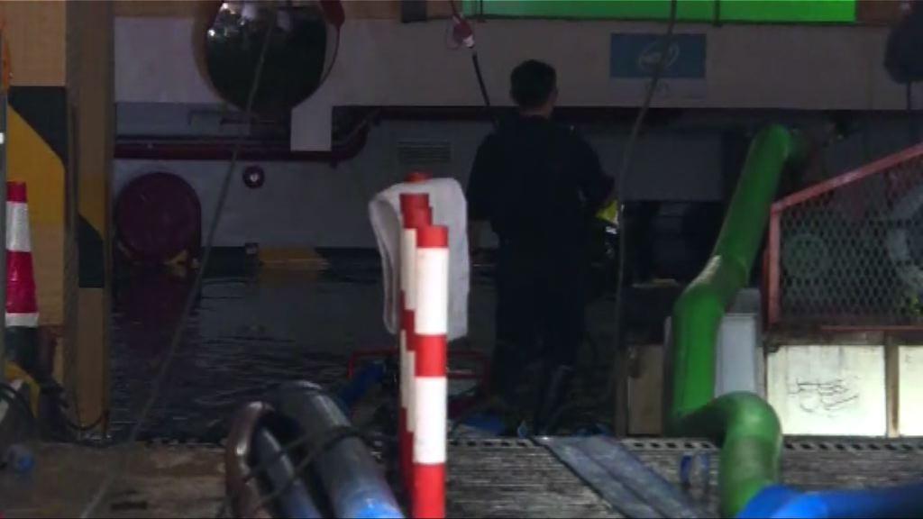 天鴿吹襲 澳門有人報稱被困淹浸地下停車場