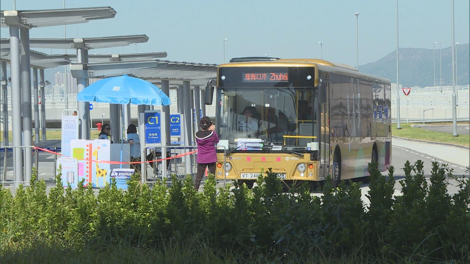 業界倡口岸截龍或「金巴」租車增加班次
