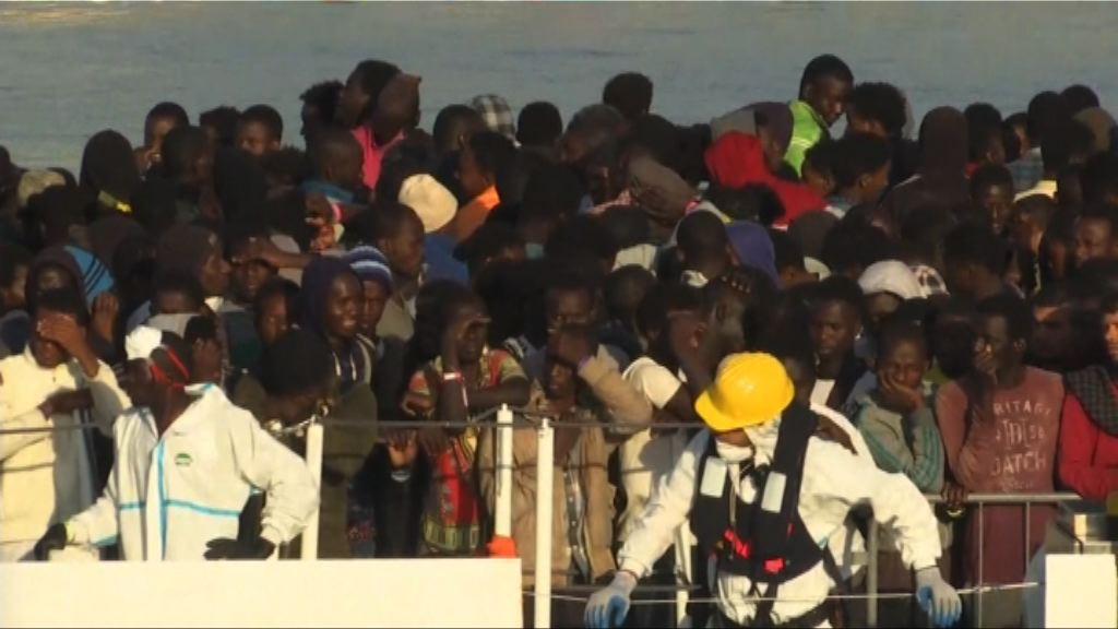 九百名難民抵意大利西西里港口