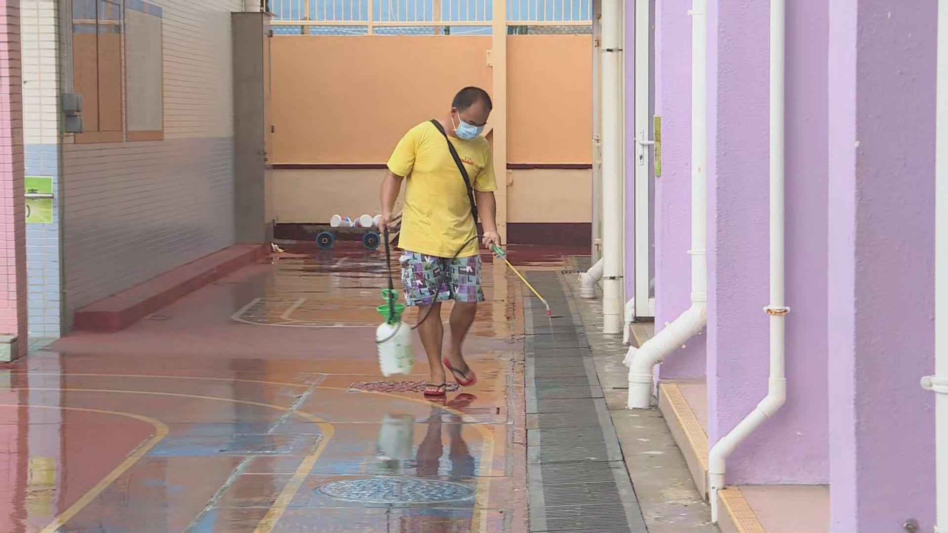 長洲學校開學前加強滅蚊