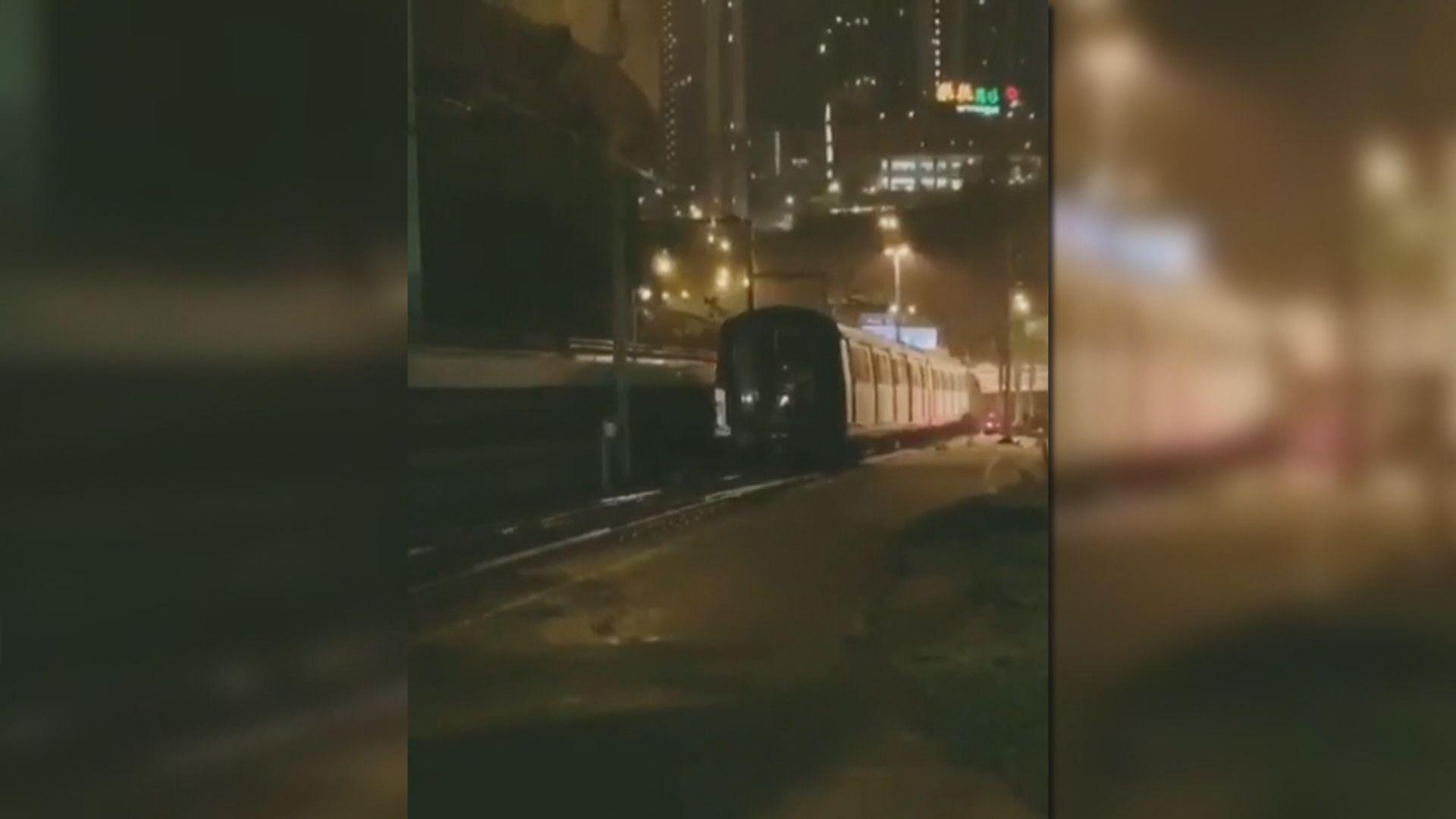 港鐵兩列車相撞 餘下三卡仍在金鐘側線