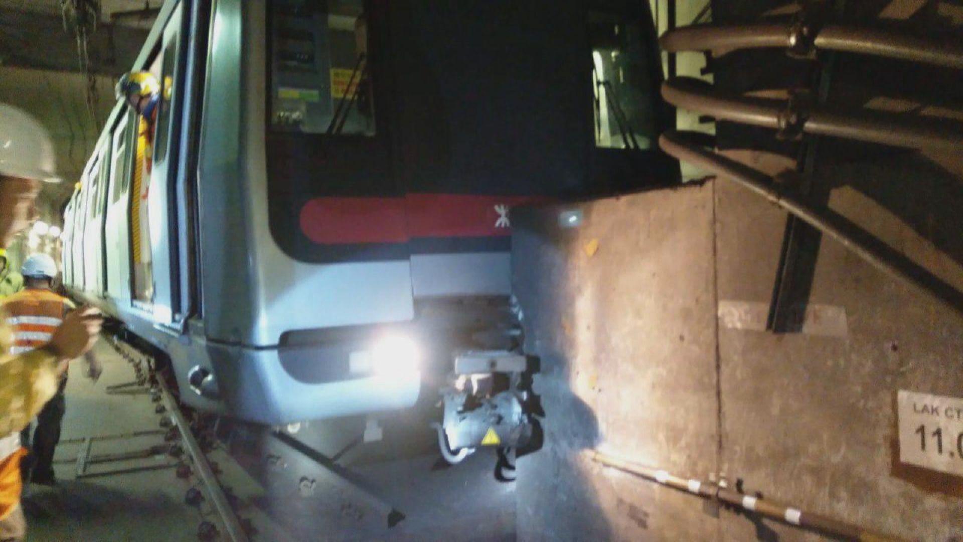 警方起訴兩名港鐵車長涉去年十月列車撞石躉事故