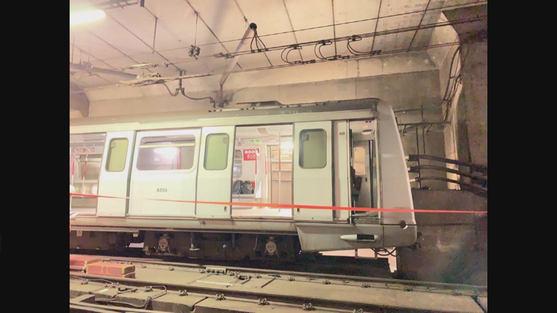 港鐵列車撞車擋 涉事車長暫時調離駕駛職務