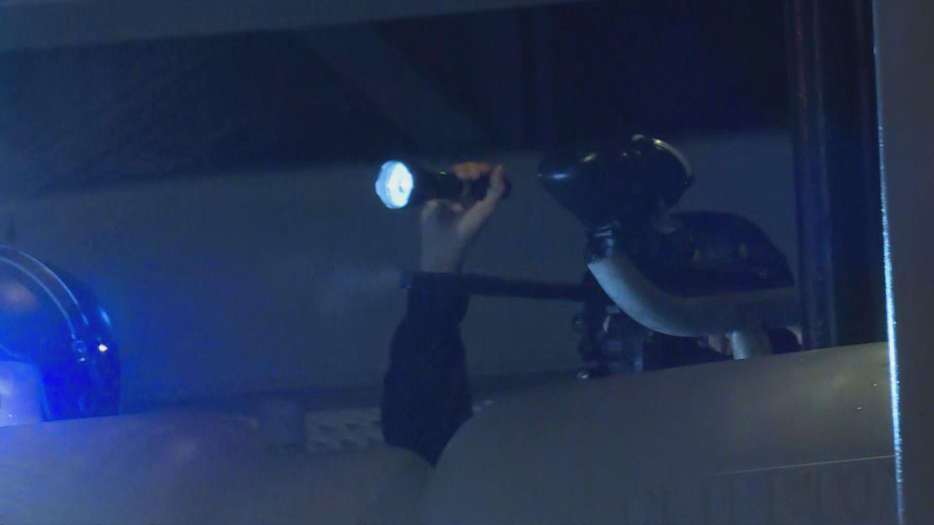 警員於警察體育遊樂會接連發射胡椒球彈