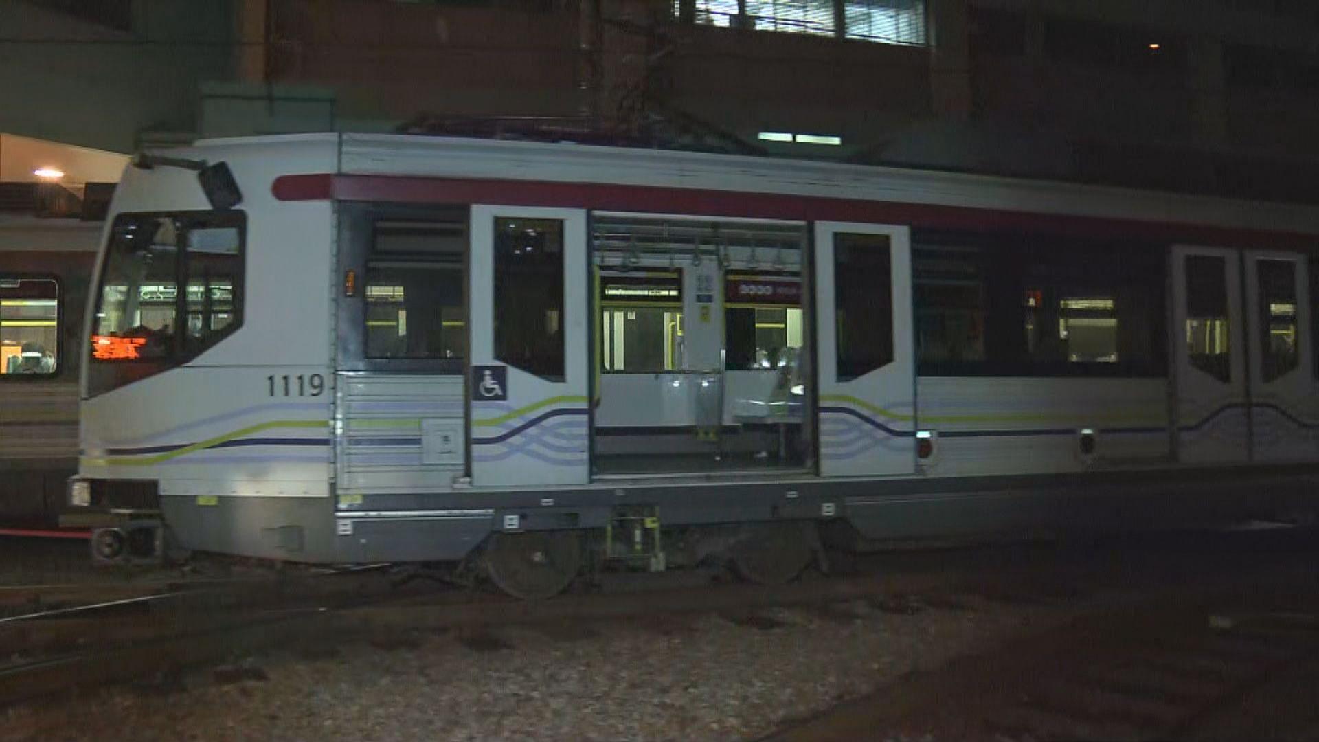 輕鐵兆康站列車出軌 港鐵安排免費接駁巴士