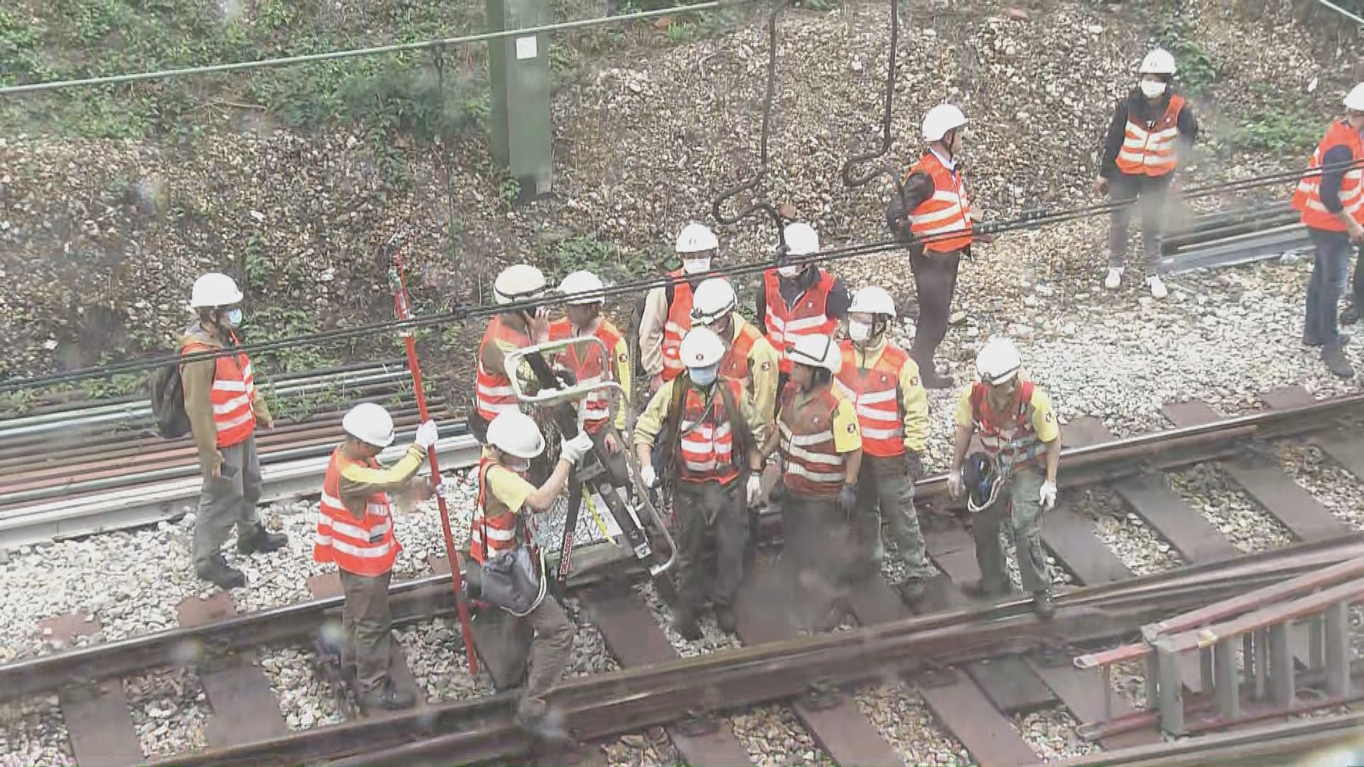 港鐵葵興至荃灣列車停駛三個多小時 現陸續回復正常